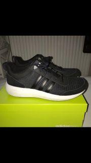 Adidas Schuhe; 39