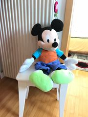 Plüschtiere Mickey Mouse usw