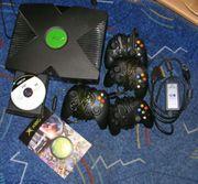 X-Box mit 4 Joypads