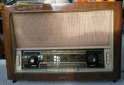 Nostalgisches Röhren-Radio,