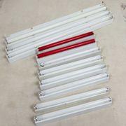 Leuchtstoffröhren mit Halterungen
