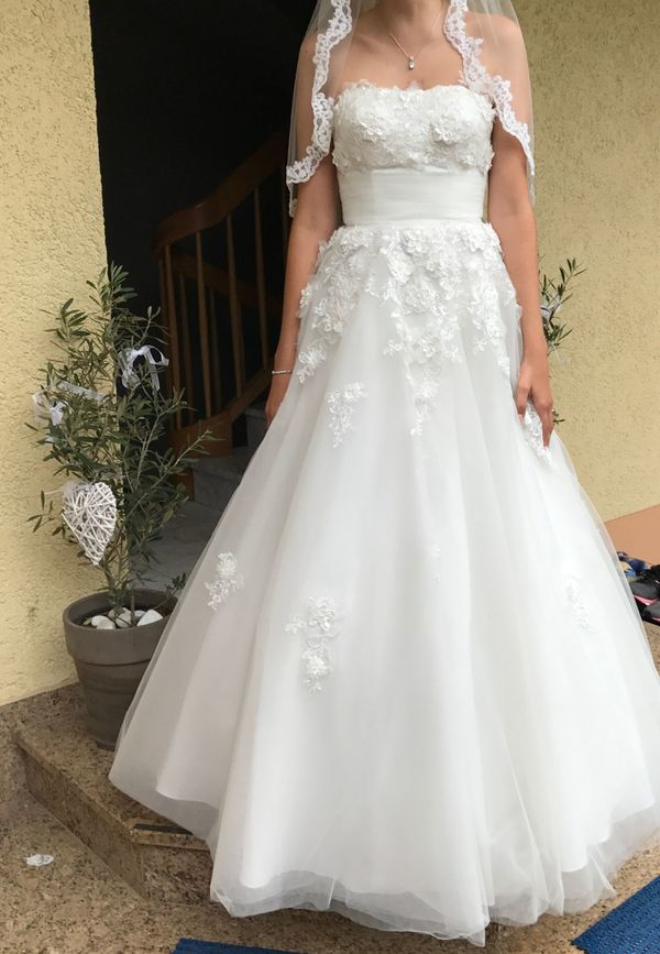 Wunderschönes Brautkleid/ Hochzeitskleid mit Blüten in Erlangen ...