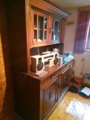 Buffet und Schreibtisch