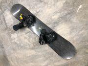 BURTON Snowboard mit FLOW Bindung