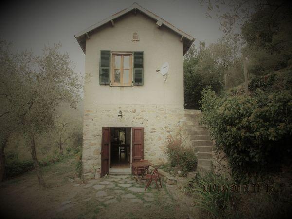 Italien ligurien rustico romatisches landhaus olivenhain for Ferienimmobilien italien