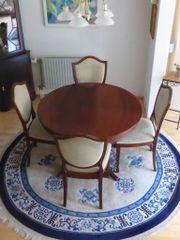 6 Stühle und runder Esstisch