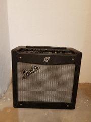 Fender Mustang 1 -
