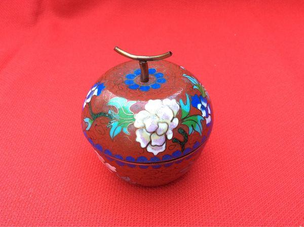 Cloisonne Deckeldose Apfel China um