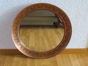 Runder Spiegel mit