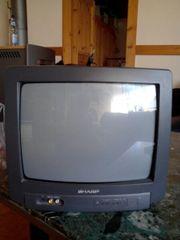 Kleiner Fernseher zu