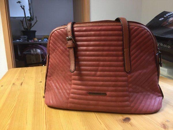 Handtasche mit viel stauraum in fürstenfeldbruck taschen koffer