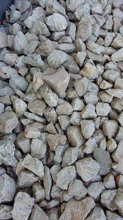 Weiße Bruchsteine