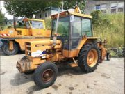 Traktor Renault 462