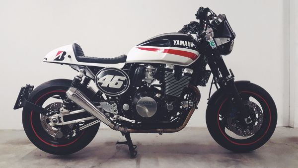 yamaha xjr 1300 rp02 cafe racer mit power 80s street. Black Bedroom Furniture Sets. Home Design Ideas