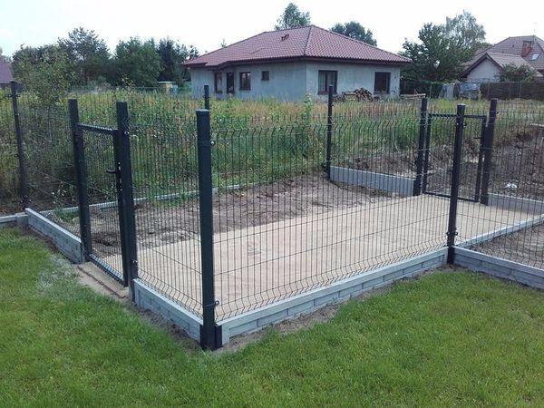untermauerung betonzaun gartenmauer mit stahlelementen zaun aus beton in choszczno sonstiges. Black Bedroom Furniture Sets. Home Design Ideas