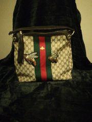 Schöne Tasche im Gucci Style