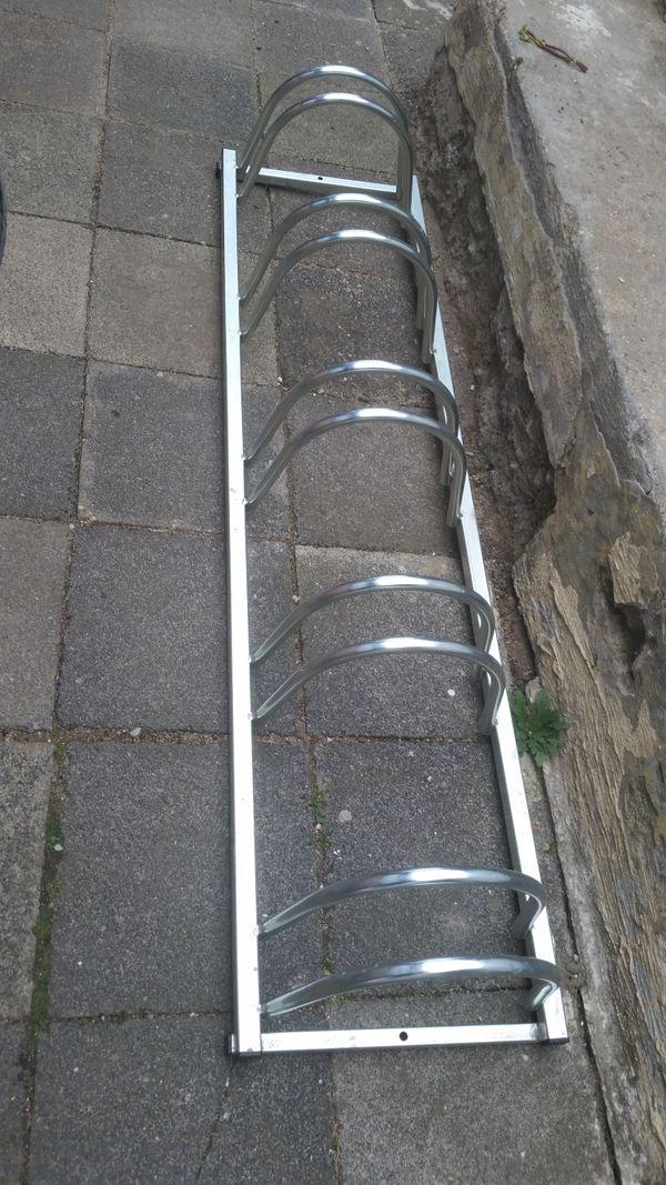 Fahrrad Ständer - Mettenheim - Parkplatz für 4 Fahrräder. Nicht benutzt.Tierfreier und Nichtraucher Haushalt Alle Fragen - 015253650499 - Mettenheim