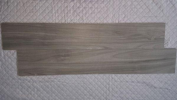 Feinsteinzeug Fliesen In Holzoptik Abitare