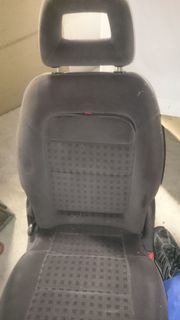 2 Rücksitze für