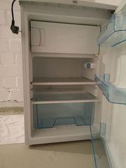 Kühlschrank neuwertig zu verschenken