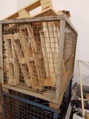 Holz-Paletten zu verschenken als Brennholz