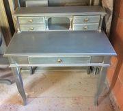 Graublaue Möbel komplett für ein