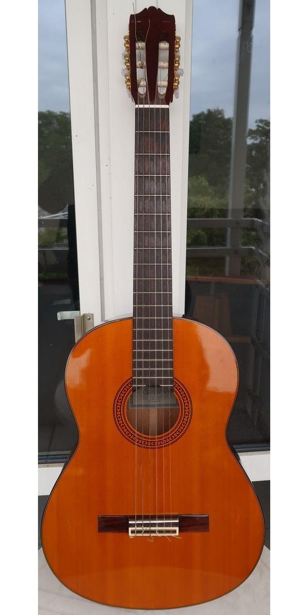 gitarre yamaha cg 130a neuwertig versand 6 eur festpreis in heidelberg gitarren zubeh r. Black Bedroom Furniture Sets. Home Design Ideas