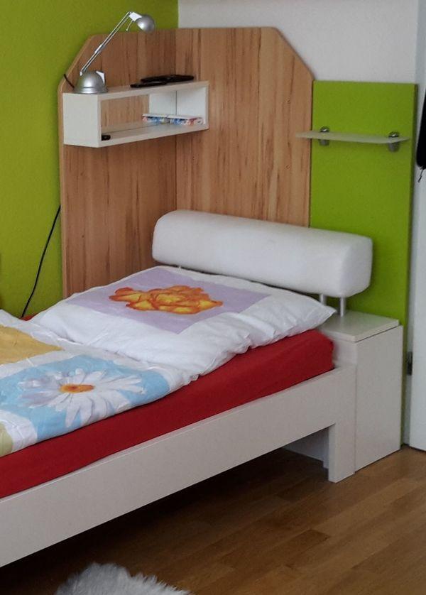 bett mit lattenrost und bettkasten ankauf und verkauf anzeigen. Black Bedroom Furniture Sets. Home Design Ideas
