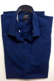 Schickes dunkelblaues Hemd von OLYMP