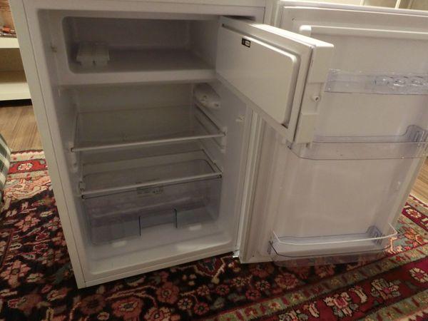 Amica Kühlschrank Mit Gefrierfach : Kühlschrank mit gefrierfach amica ks w nbspmonate alt wie