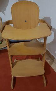 Kinderhochstuhl aus Holz zu verkaufen
