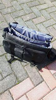 Fototasche mit diversen Fächern praktisch