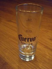 12 Jose Cuervo Shotgläser 6