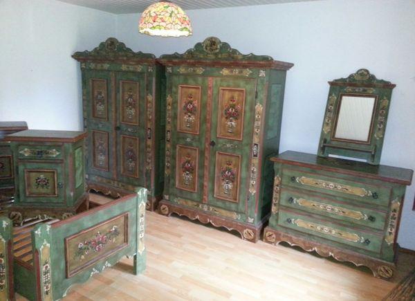 Voglauer Schlafzimmer komplett mit dazugehöriger Kommode und Spiegel ...