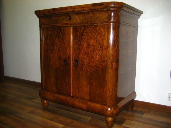 omas alte kommode kaufen omas alte kommode gebraucht. Black Bedroom Furniture Sets. Home Design Ideas