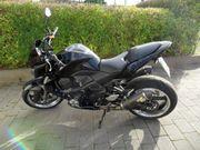 Kawasaki Z1000 schwarz