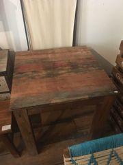 handgemachter quadratischer Tisch