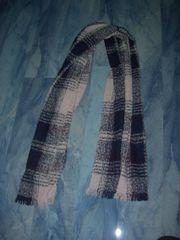 Neuwertiger winterlicher Schal