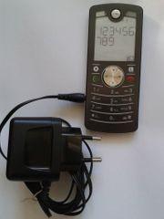 Motorola Motofone F3 mit Konfiguration