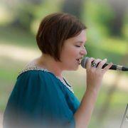 Hochzeitssängerin Sängerin für Hochzeiten Trauungen