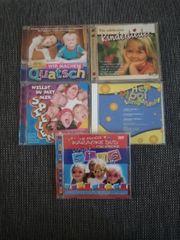 Fünf CDs DVDs mit Kinderliedern