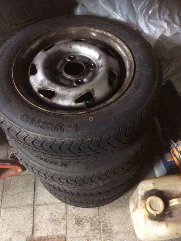 Winterreifen für Fiesta - Obernzenn - 4x 155/70 R13 T Kumho, Profil 5 mm, Stahlfelgen, für Fiesta. Die Reifen waren auf einem Fiesta 1300, Bj. 99 montiert. - Obernzenn