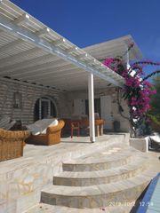 Große griechische traditionelle Villa in