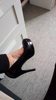getragene Schuhe große