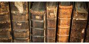 Sammler Sucht alte Bücher