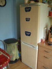Kühl-Gefrierschrank abzugeben