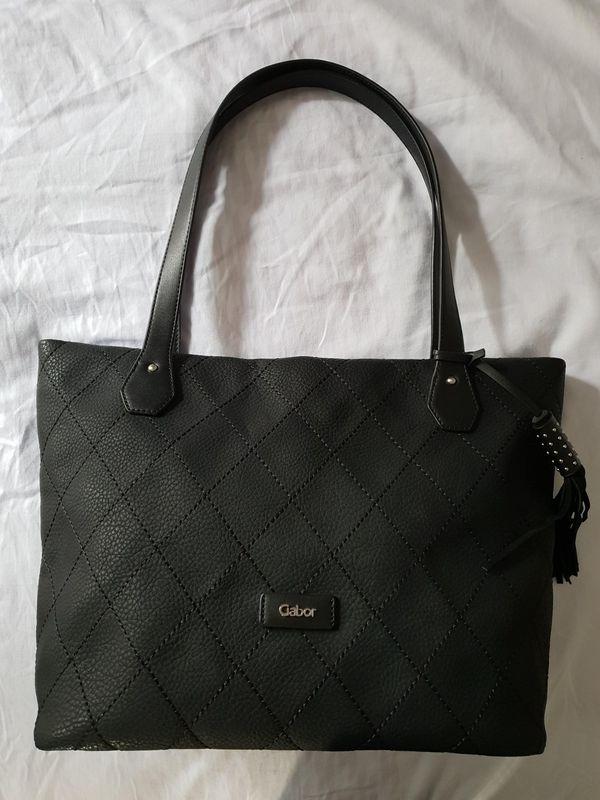 NEU' GABOR Shopper schwarz 32 EUR VB in München Taschen
