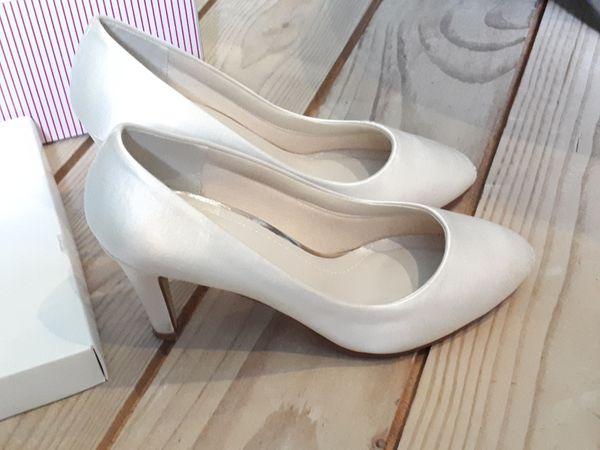 Brautschuhe Gunstig Gebraucht Kaufen Brautschuhe Verkaufen Dhd24 Com