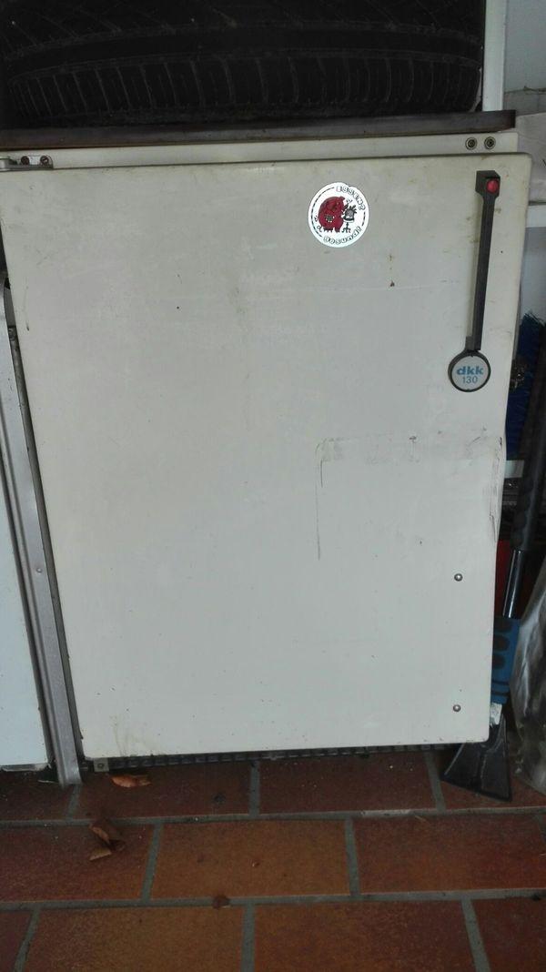 kl. Kühlschrank zu verschenken. 80 cm hoch, 60 cm breit in ...
