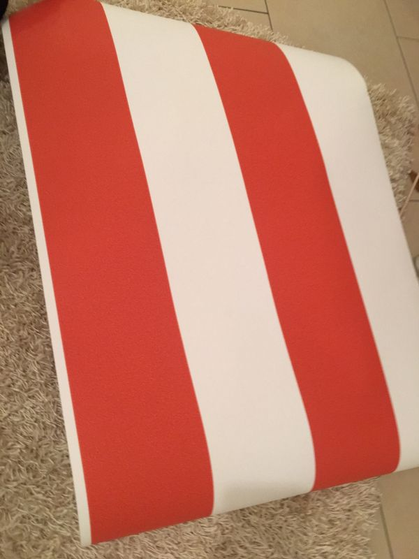vliestapete maritim rot wei streifen gestreift in m nchen farben lacke tapeten kaufen. Black Bedroom Furniture Sets. Home Design Ideas